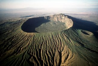 LONGONOT CRATER RIFT VALLEY 02/04/1999 DW2112